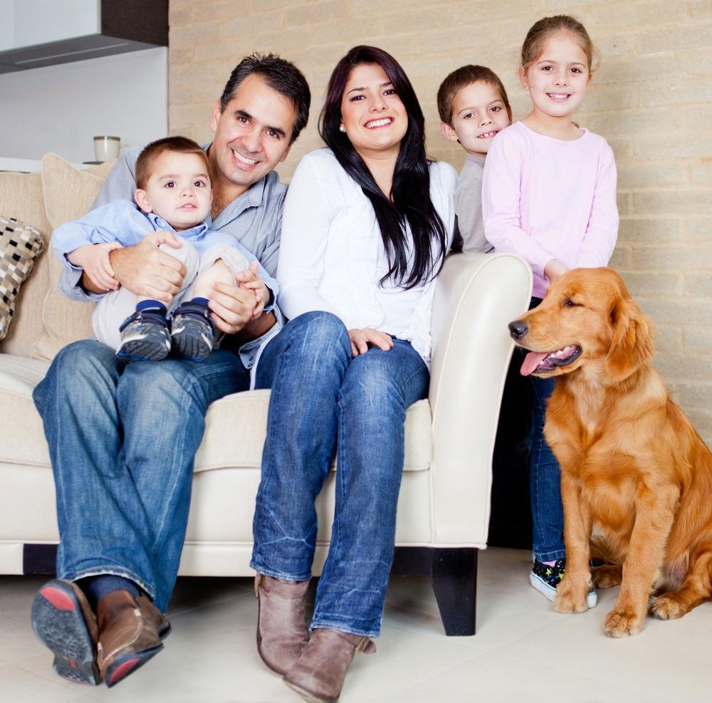 תמונה משפחה עם 3 ילדים